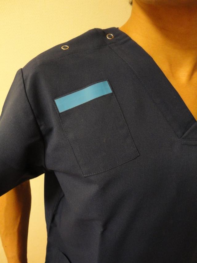 スクラブ右胸ポケット